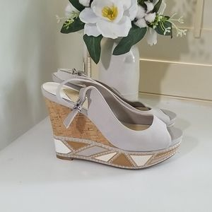 Gianni Bini Wedge Heels 8.5 Studded Peep Toe
